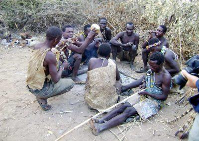 uberblick 3 hadzabes quer durch ostafrika